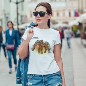 camiseta blanca sublimada con diseño de elefante